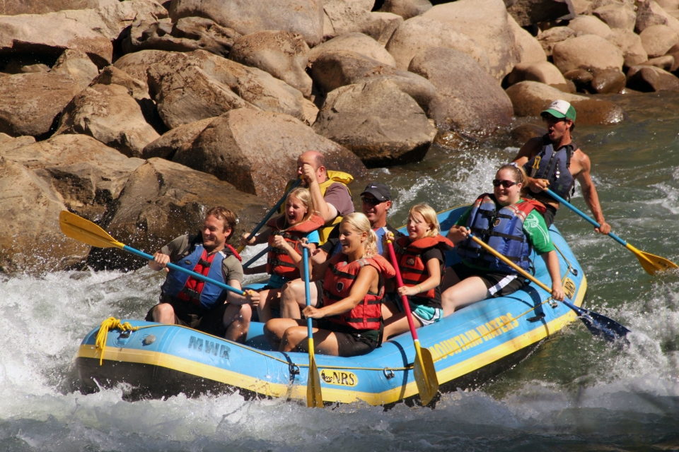Mountain Waters Rafting_rapids